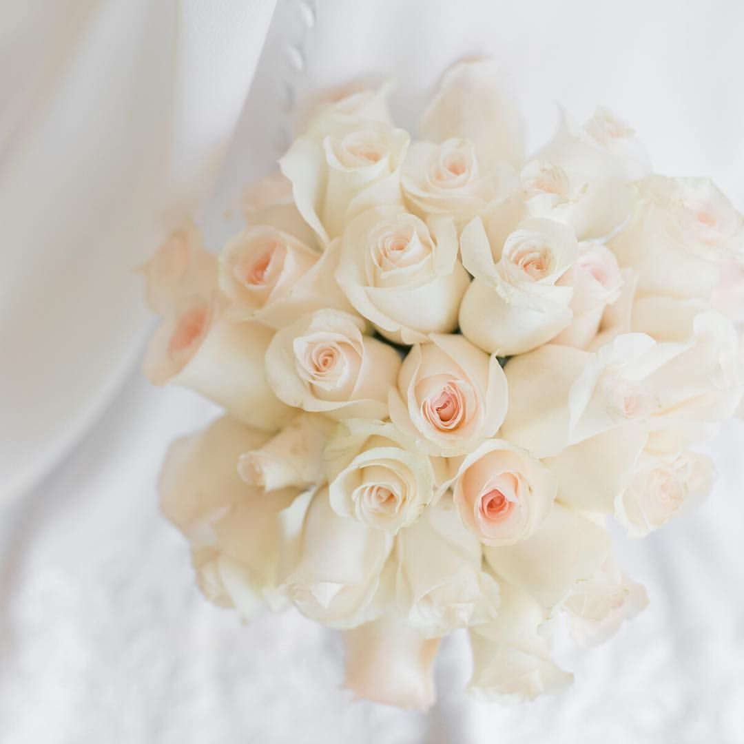 Happy Monday I Love This Bouquet I Hope You Have A Great Monday Don T Forget To Stop And Smell The Roses Nc Wedding Floral Wedding Wedding