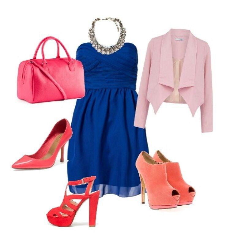 Combinación De Vestido Azul Con Complementos Rosas En 2019