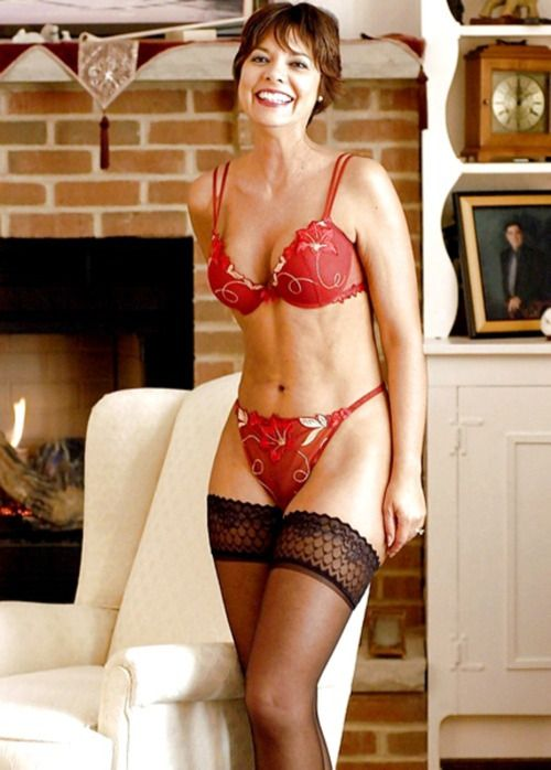 Mature In Red Lingerie 106
