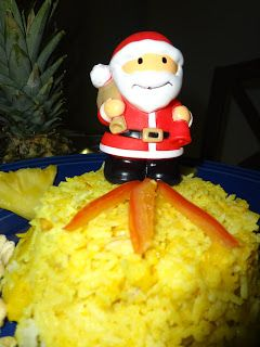 Thai pineapple Rice: 1 cup chopped pineapples 1 1/2 cups Steamed Rice 1/4 cup coconut milk 1 onions, chopped 1 tbsp raisins 1 tbsp butter 1/4 tbsp sugar salt to taste