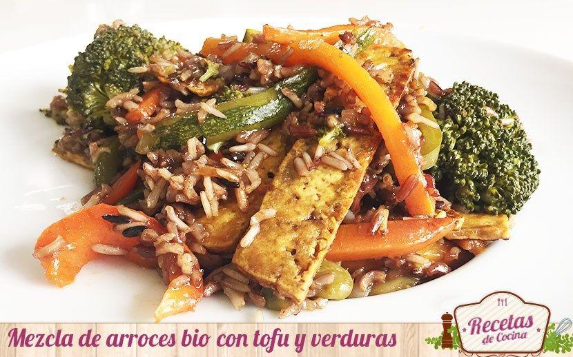 Mezcla de arroces bio con tofu y verduras