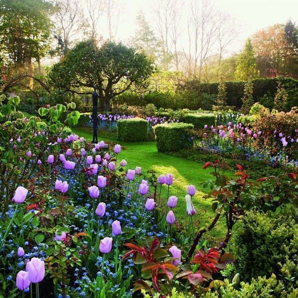 Paradise Found Coffee Table Book Shows The Worlds Most Beautiful Gardens From English And Romantic Rose To Enchanting Nature