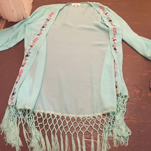 Three quarter sleeve kimono with fringe Umgee kimono size m/l super cute Umgee Tops Blouses