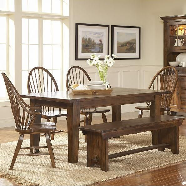 attic heirlooms 7 piece dining set by broyhill furniture chaises de salle a manger huche