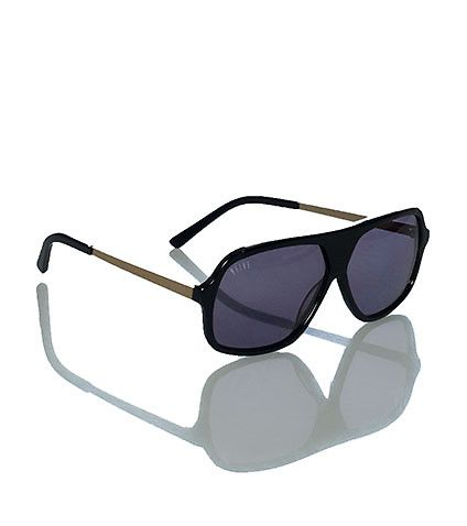 9FIVE Crowns pro model sunglasses Plastic frames and lenses UV protection from the sun Metallic gold temple arms