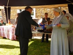 It has already been a consecutive year for Missionary Sisters of St. Peter Claver to organize the Garden Party in order to collect money for building a chapel in Bolivia.
