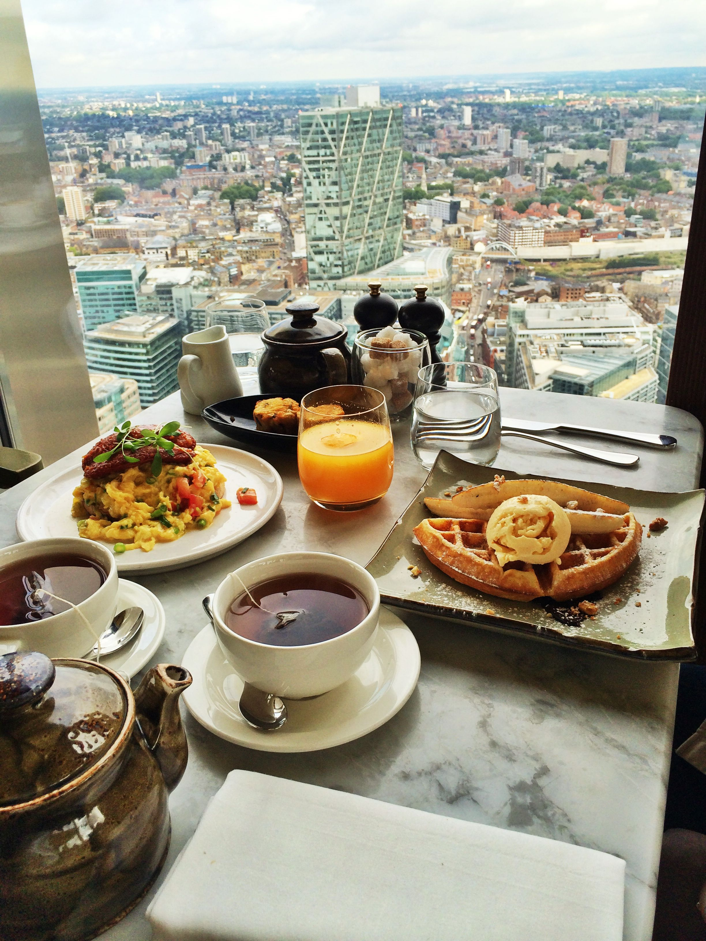 Shoreditch London Uk: Duck And Waffle, Shoreditch, London. Breakfast On The 39th