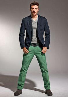 mens green pants outfit - Pesquisa Google   Moda ocasionais para ...