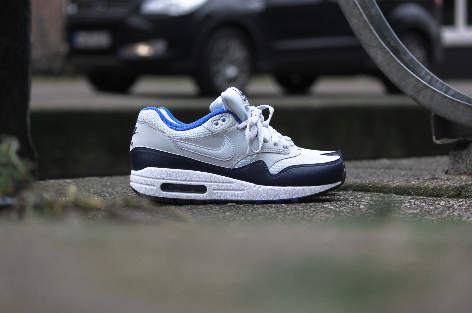 93a93f04ba Nike Air Max 1 Essential Pure Platinum / Mid Navy - 537383-023 ...