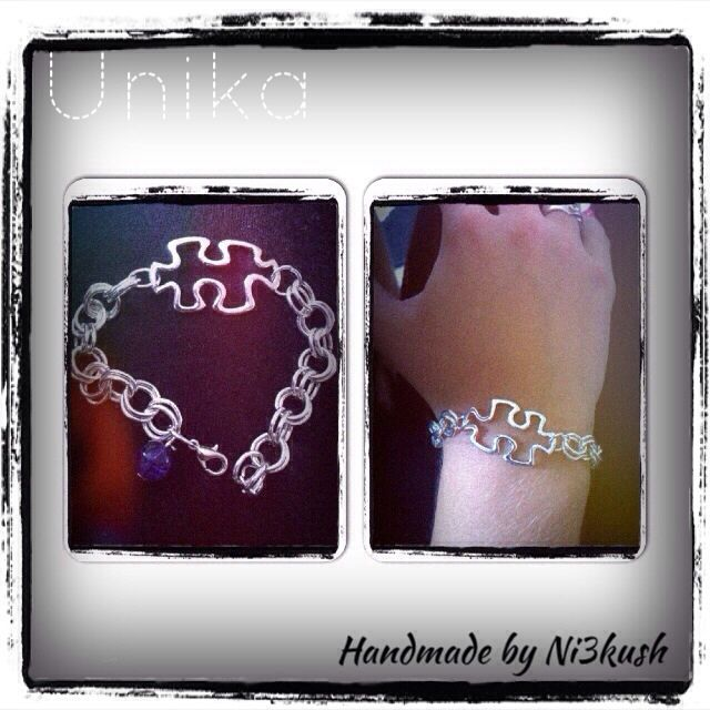 Puzzle bracelet with double loop chain