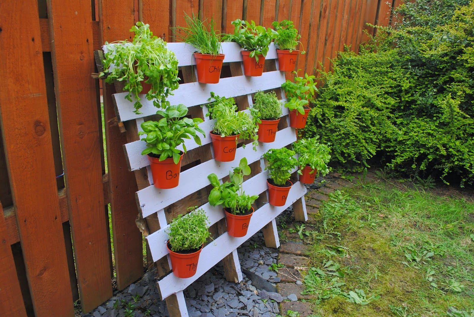 15 Affordable Diy Garden Ideas That Make Your Home Yard Amazing Diy Herb Garden Pallets Garden Diy Wood Planter Box