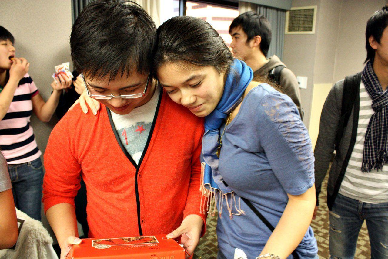 Varsity International provides a PAID college internship