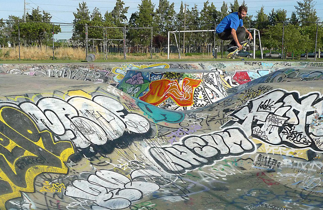 Skate park graffiti utiliser les graffitis pour rappeler les skate skate park graffiti utiliser les graffitis pour rappeler les skate park mlange bois graffitis altavistaventures Image collections