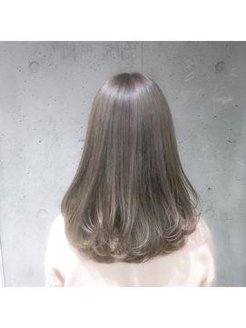 夏だから明るめの髪色にしたいけど派手なのは嫌 暗くても重くない髪色