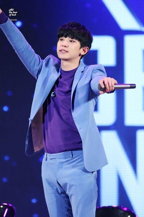 Chanyeol - 160401 Lotte World 'EXO's Secret Night' - 6/6 Credit: All The Best Of Luck. (롯데월드 '엑소의 시크릿한밤')
