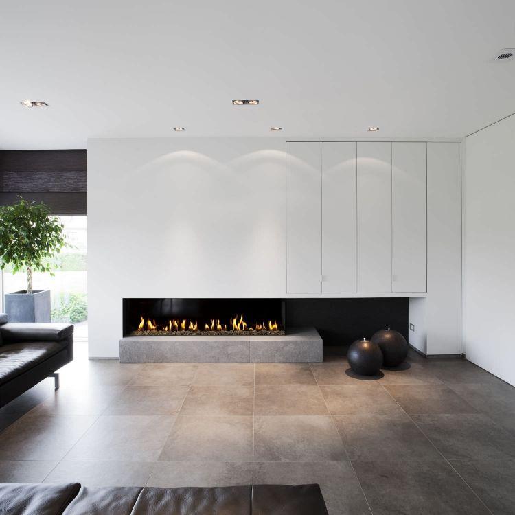 minimalistischer Look in monochromen Farben und Kamin   Kamin und ...