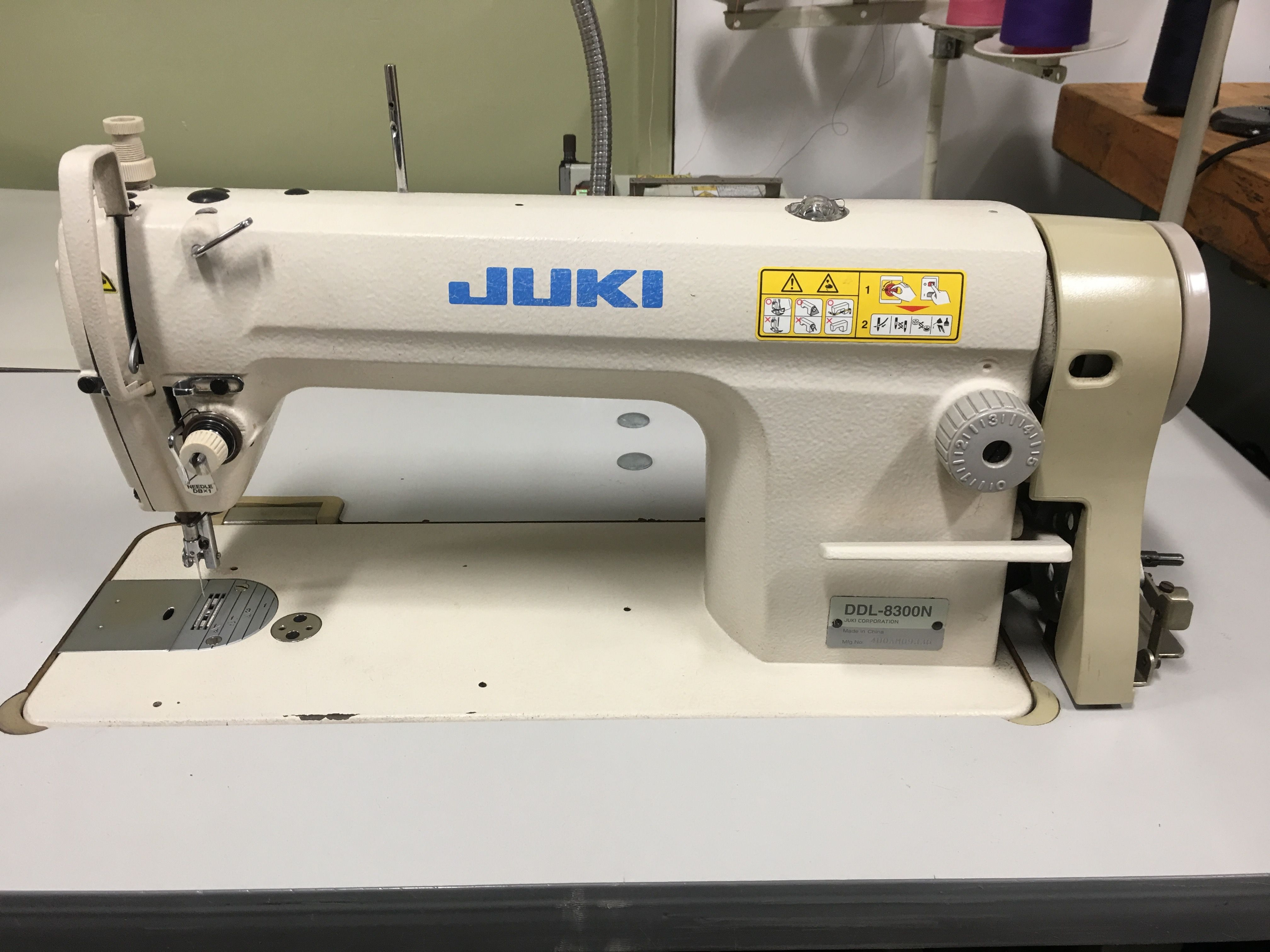 Juki Ddl 8300n Mechanical Sewing Machine Complete With Table And