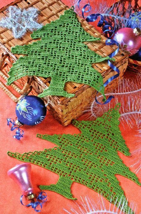 A few Christmas filet crochet patterns   Ricorrenze   Pinterest ...
