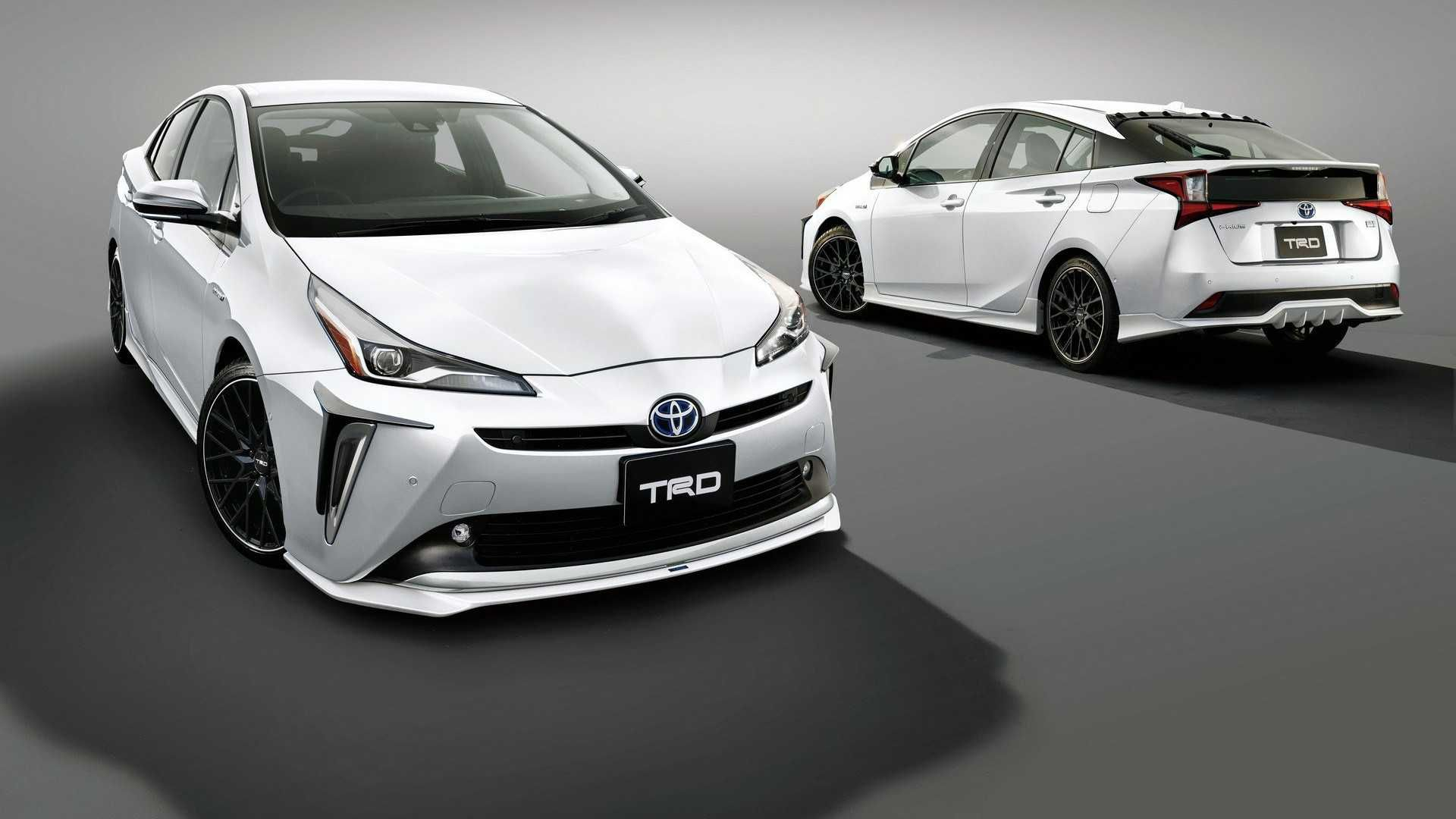 2019 Toyota Prius Gets Sporty Makeover From Trd Toyota Prius Prius