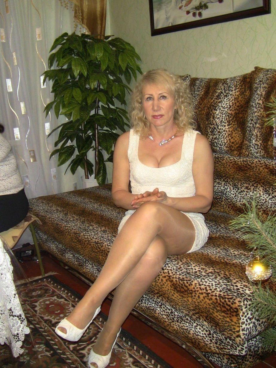 Horny blonde german MILF loves to get kinky