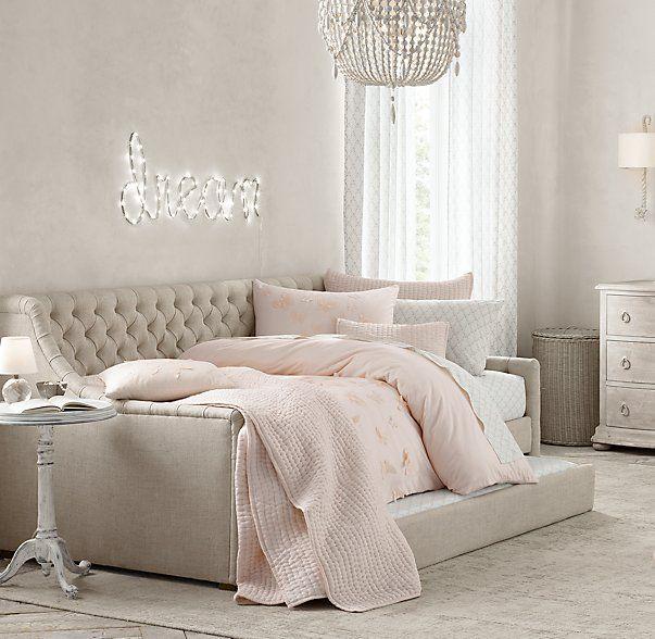 Best Modern Coastal Bedroom Makeover Reveal Daybed Room 640 x 480