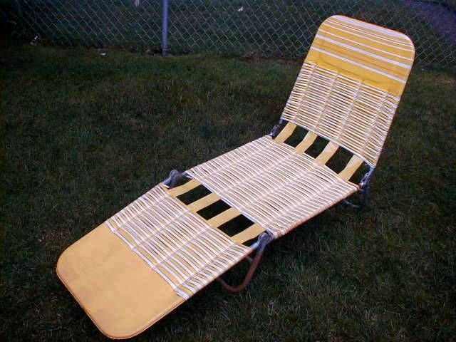 Vintage Lawn Deck Lounge Reclining Chair Vinyl Web Folding Webbed