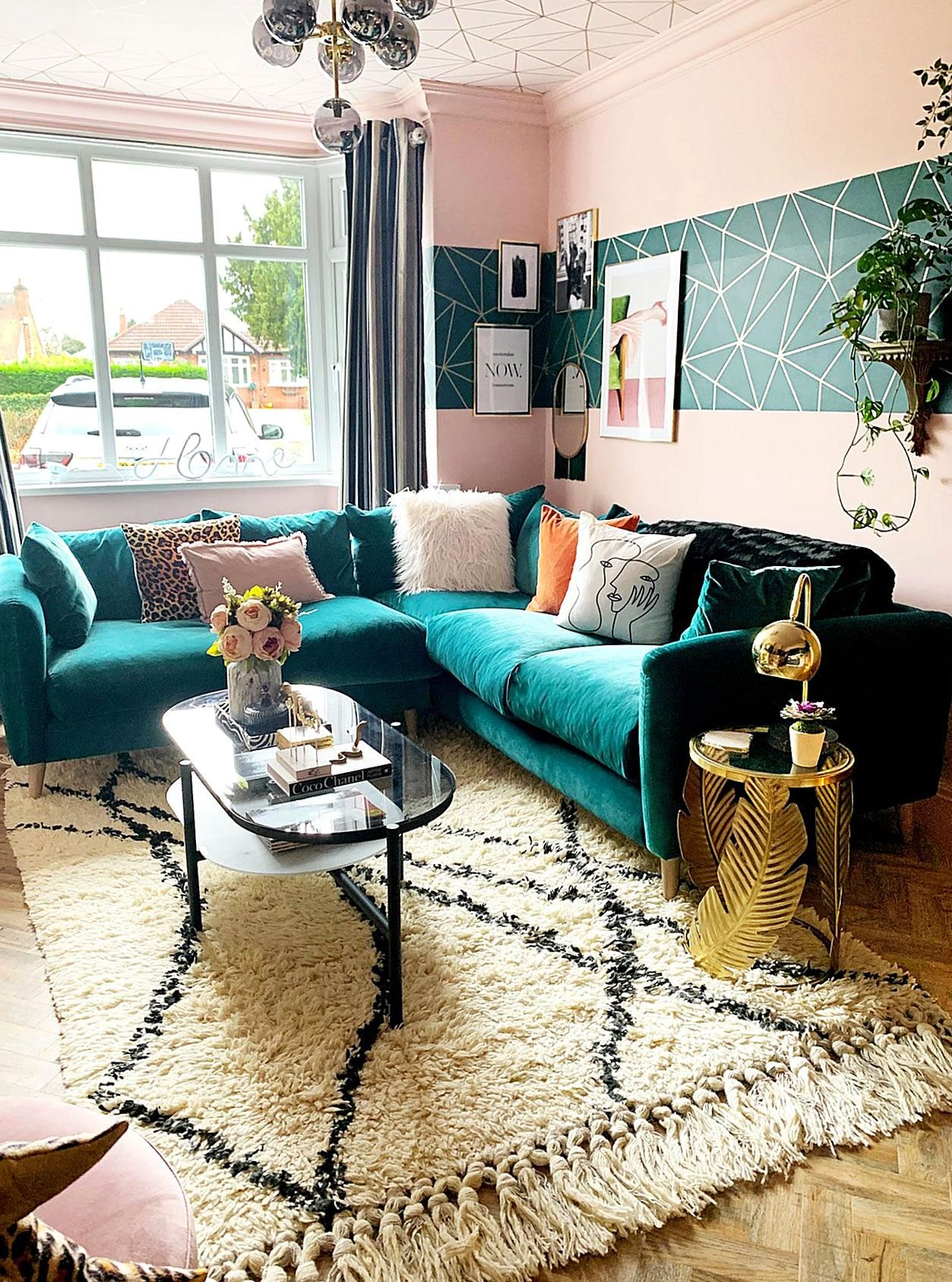 Interior Inspiration With Pink Teal And Gold Living Room Renovation With Ceiling Decor Eclectic Gl In 2020 Gold Living Room Eclectic Living Room Teal Sofa Living Room #teal #and #gold #living #room #decor