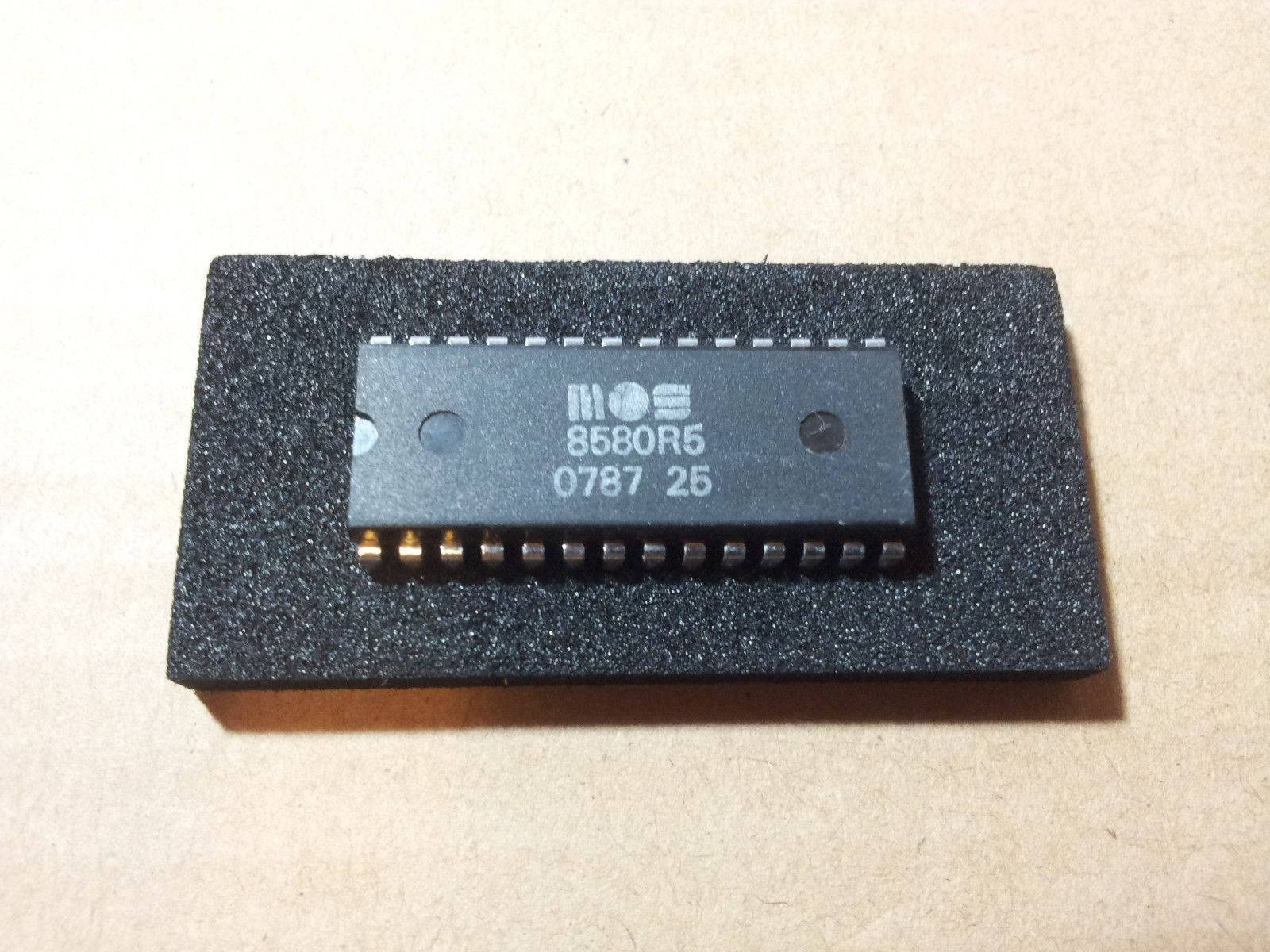 Mos 8580 Sid Chip MOS8580 Very RARE mos 6581 | chips | Chips