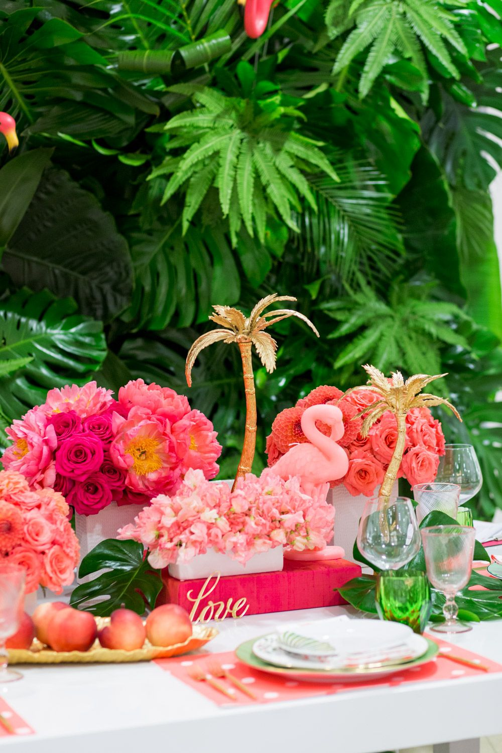 Luxury Flamingo Themed Tablescape | Palm tree decorations, Tree ...
