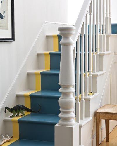 20 ideas para pintar las escaleras de madera tallas especiales - Como pintar una escalera interior ...