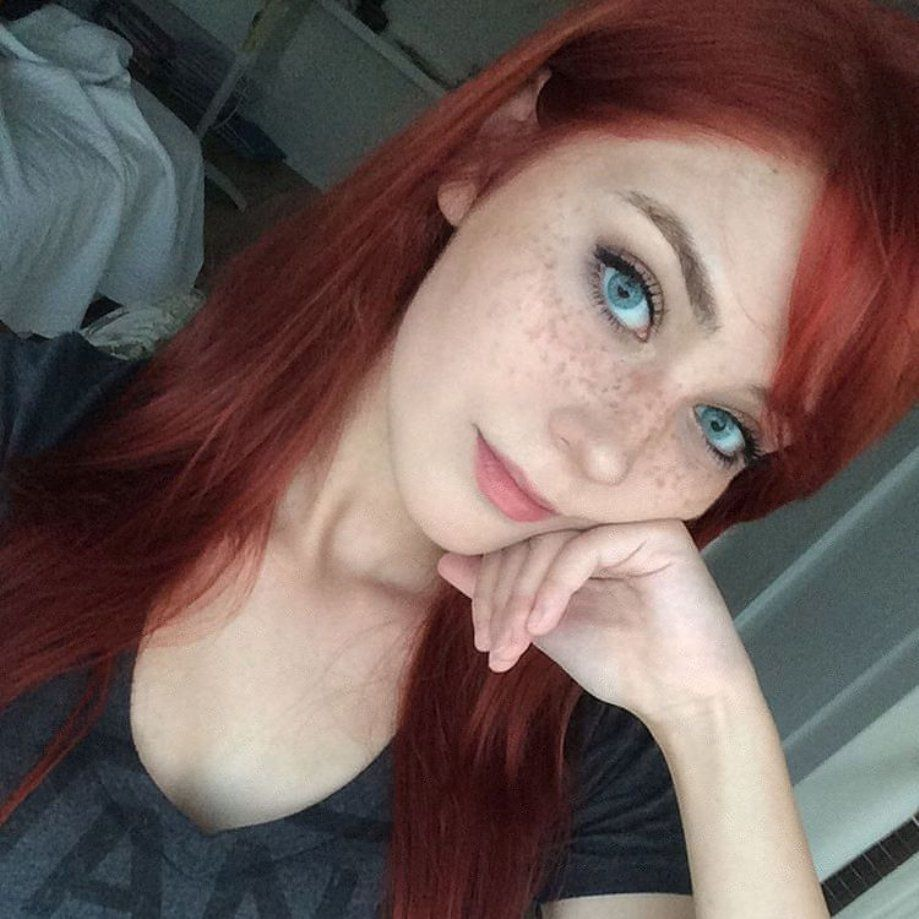 eyes like sapphire #redheadgirls #redheads #sexyteens #redheadteens