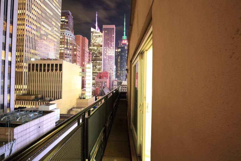 Located 484 M From Rockefeller Center This Manhattan Hotel Offers