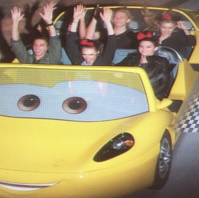 "Cara: ""Disneyland @cullysmoller @codysimpson @gigihadid@kendalljenner ❤️"""
