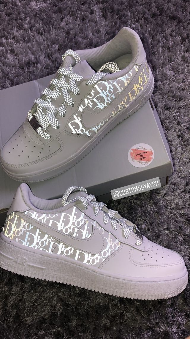 Air Force 1 X Dior With Reflective Laces The Custom Movement In 2020 Personalized Shoes Cool Nike Shoes Nice Shoes 35,5 passen auch einer 36. air force 1 x dior with reflective