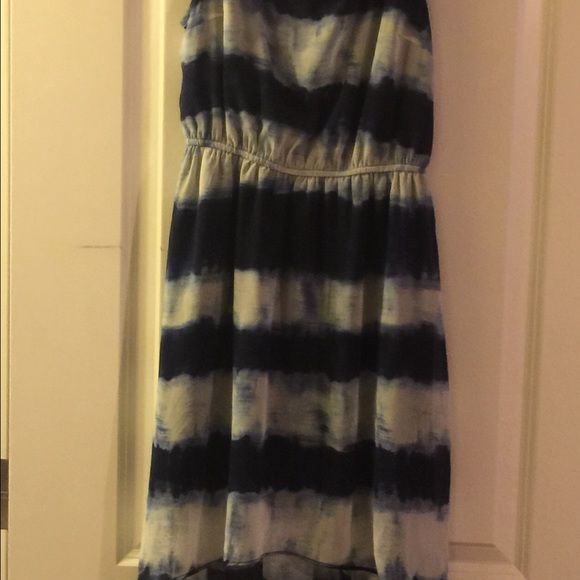 Beautiful summer dress Never worn. No tags. Perfect condition Forever 21 Dresses High Low