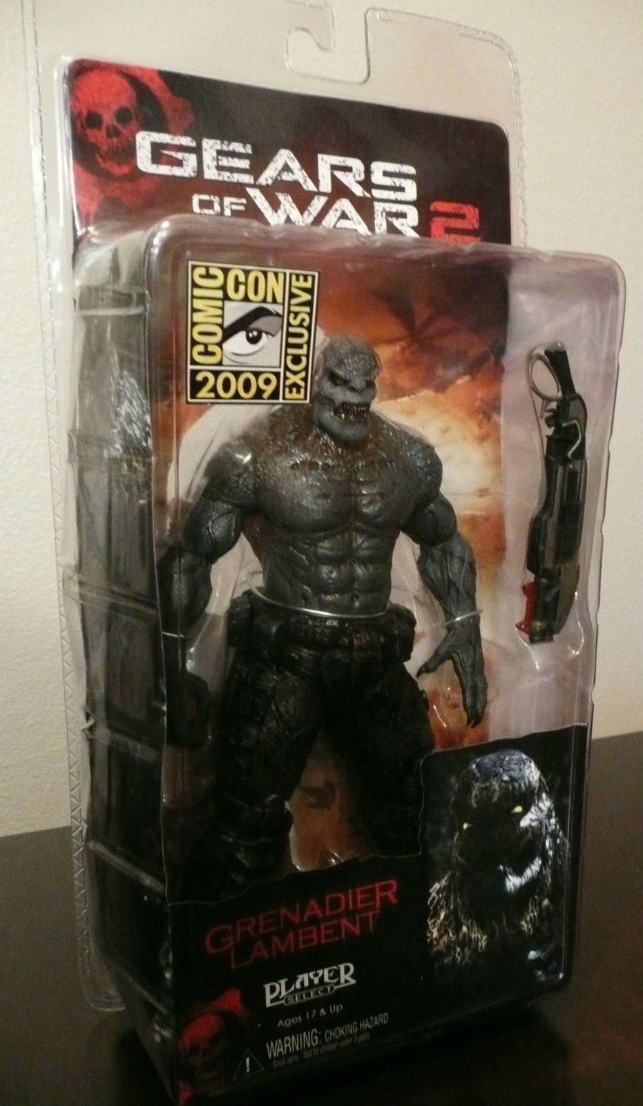 Gow2 Gears Of War 2 Locust Grenadier Lambent Action Figure Neca Technology Old Circuit Board Stock Picture I3330547 At Featurepics Comic Con Sdcc