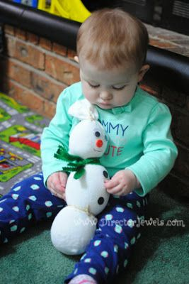 Director Jewels: How to Make an Easy DIY Sock Snowman Craft - Guest Post at Yellow Tennessee!