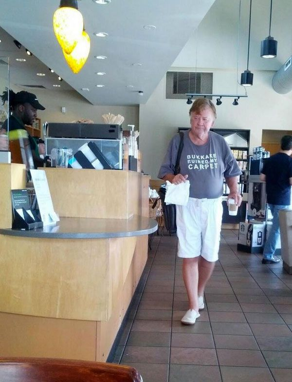 starbucks-shirt-fail