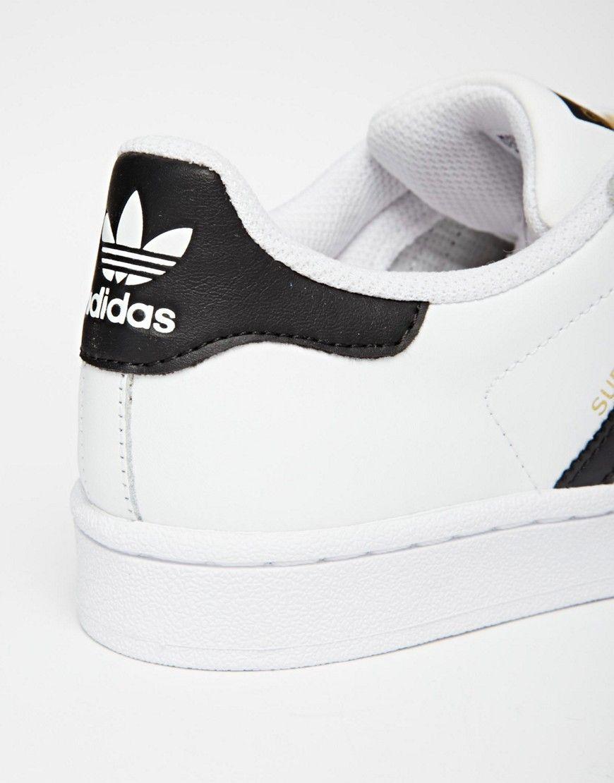 low priced 29634 c0186 Bild 4 von adidas Originals – Superstar – Schwarzweiße Turnschuhe