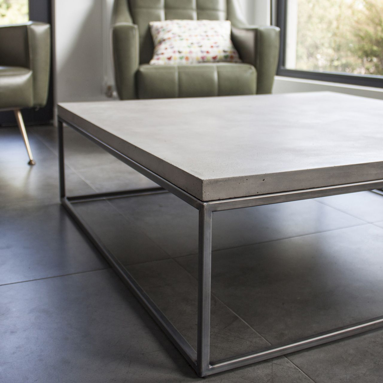table basse en b ton et m tal perspective xl en 2019. Black Bedroom Furniture Sets. Home Design Ideas