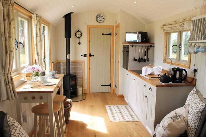Photo of 15 dreamy shepherd's huts you can rent – Living in a shoebox