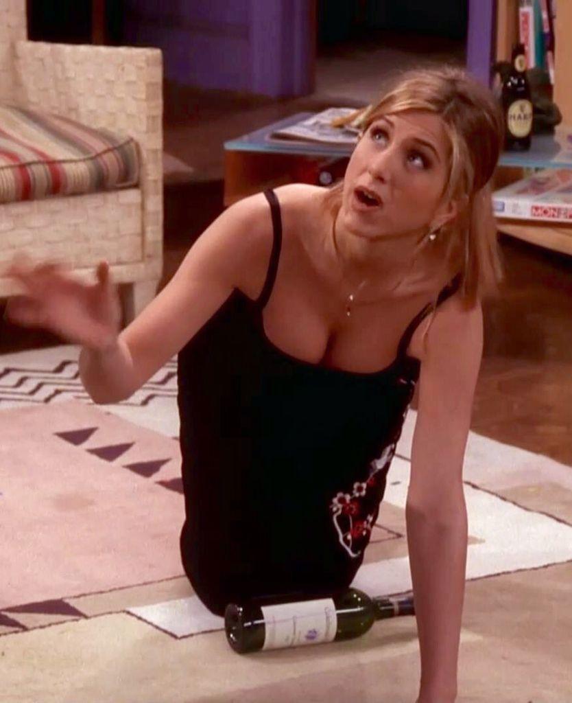 Jennifer Aniston On Her Knees In A Hot Dress From Friends Rachel Green Jen Aniston Jennifer Aniston [ 1024 x 834 Pixel ]