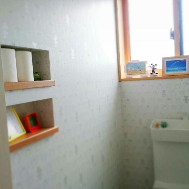 ニッチ ディズニー壁紙 2階トイレ Bathroomのインテリア実例 2015 05