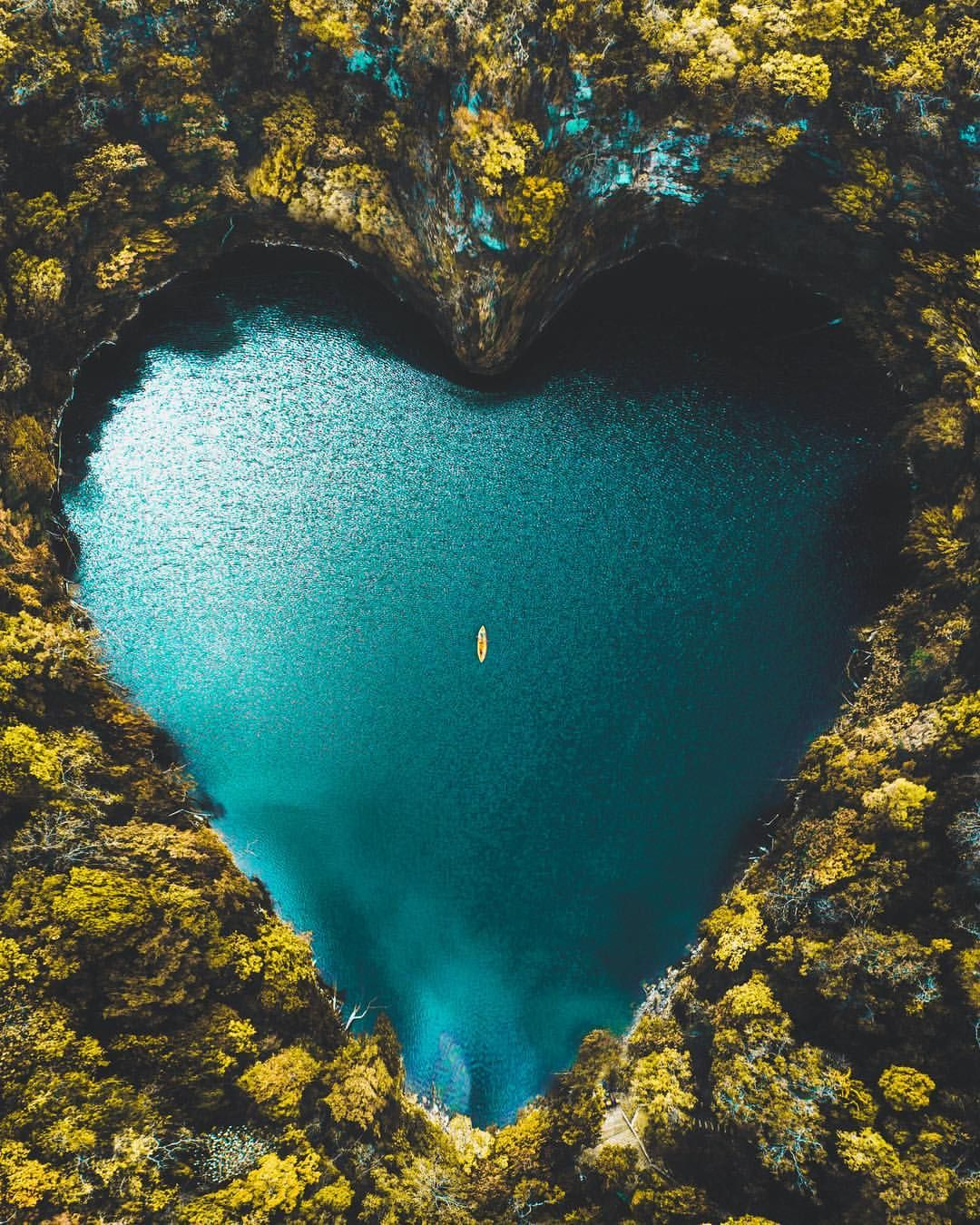 Deep In The Jungle Of A Magical World When You Love Nature So Much It Loves You Back Beautiful Lakes Vacation Trips Photo