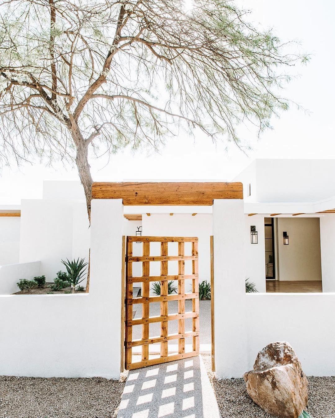 Desert Style Homes : desert, style, homes, These, Desert, Style, Homes, Pining, Southwest, Hunker, House, Exterior,, Spanish, Homes,