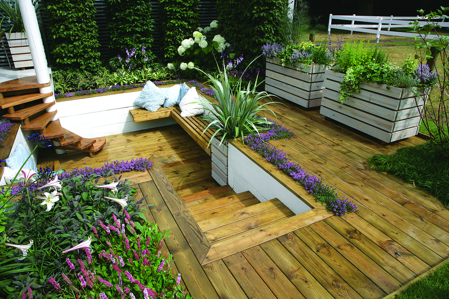 23 Gorgeous Small Wooden Deck Ideas For Small Backyards Deck Garden Small Backyard Decks Small Garden Decking Ideas