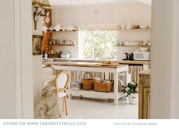 French Living Home Tour - tür für küchenschrank