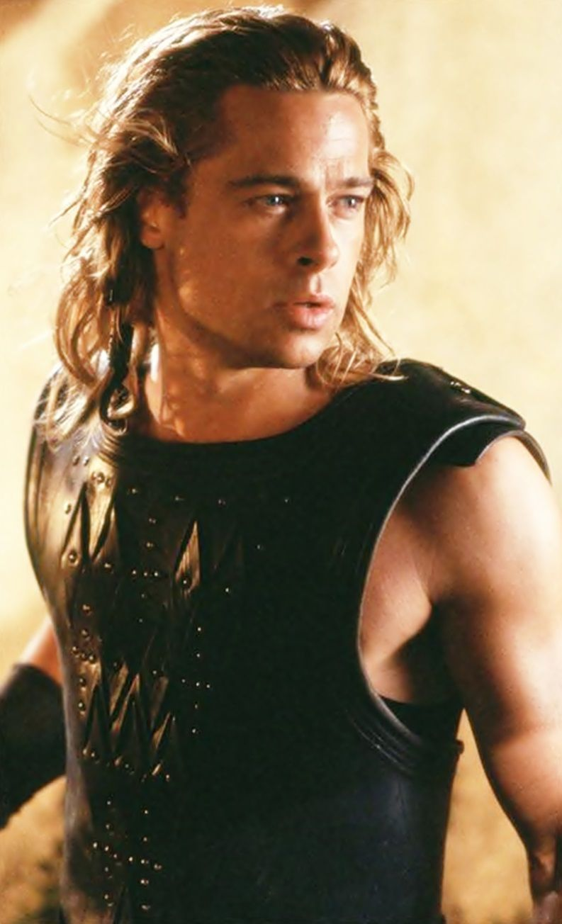 brad pitt as achilles in troy he's so hot in this movie