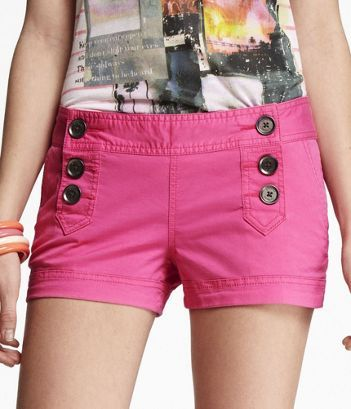 Adorable sailor shorts in pink! These are surprisingly flattering and look adorable with a teal tissue-weight tee.