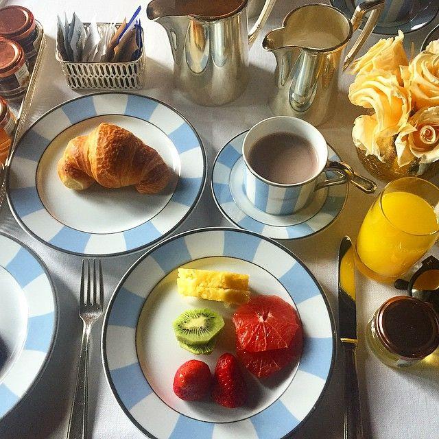 SnapWidget | Buongiorno ❤️ Café da manhã de hotel, meu esporte favorito  #venice